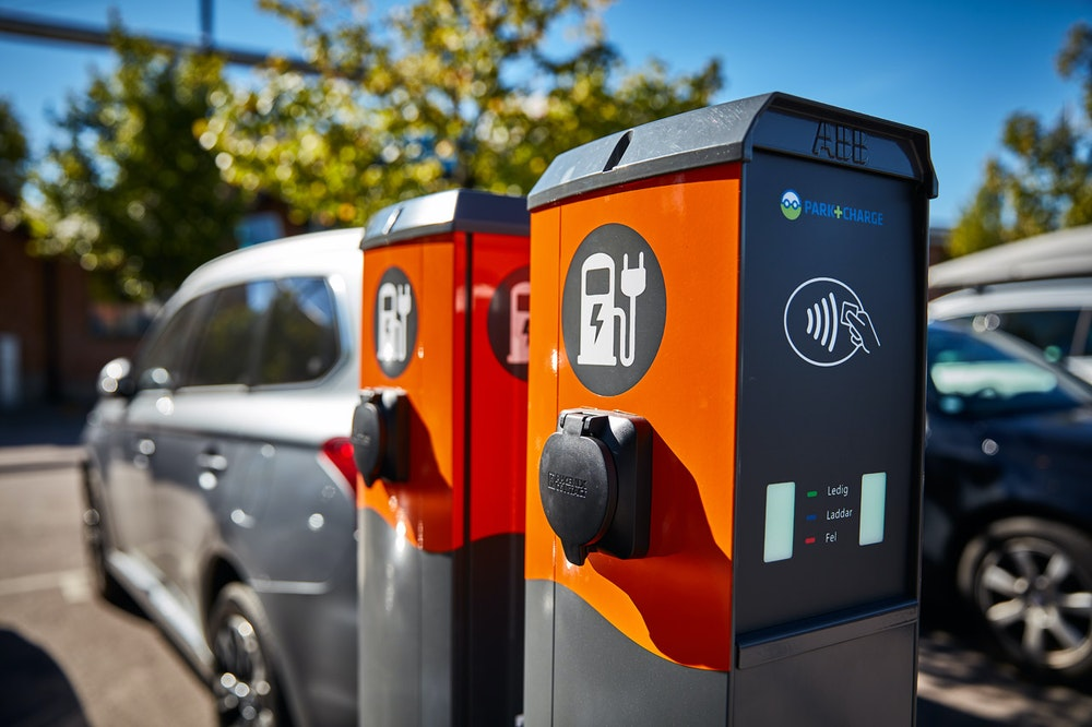 Battery Storage Infrastructure Will Strengthen Electric Vehicle (EV) Adoption